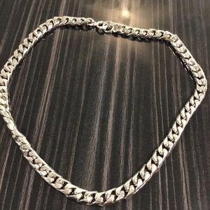 Jewelry - Heavy link silver choker